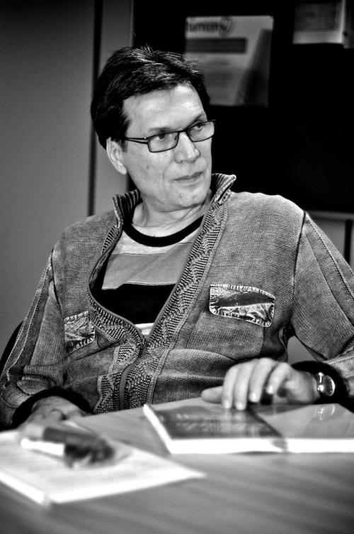 O pesquisador teatral e professor da Unesp Alexandre Mate - Foto: Bob Sousa/Divulgação