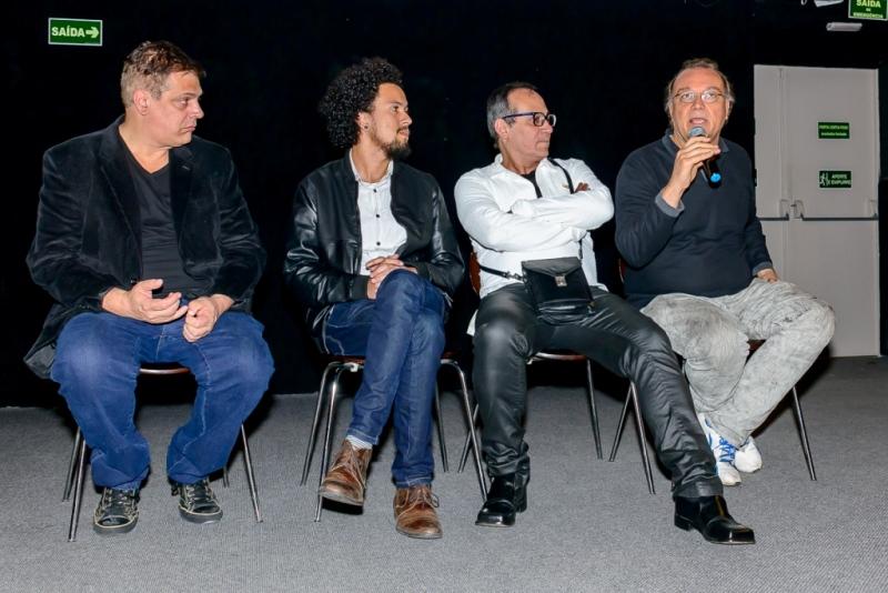 Após o filme, Rodolfo García Vázquez, Raul Perez, Ivam Cabral e Evaldo Mocarzel debateram o longa Hipóteses para o Amor e a Verdade