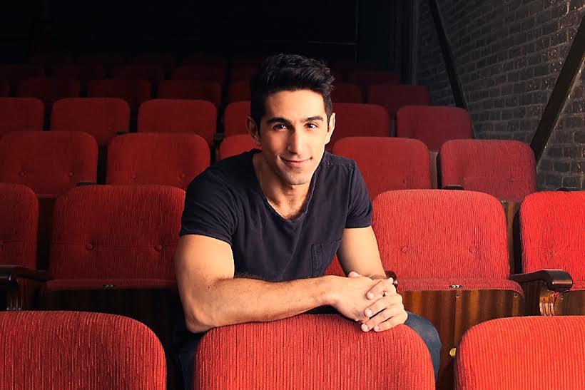 O ator Rodrigo Negrini, que vive Lennie Dale em Raia 30 - O Musical - Foto: Divulgação