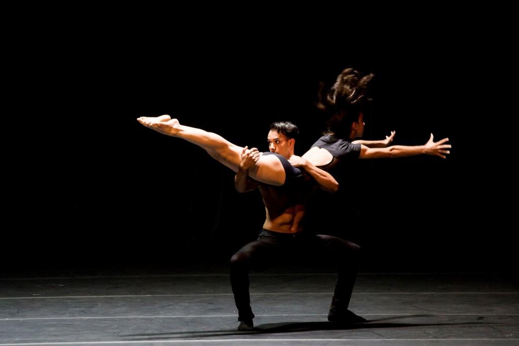 Dança contemporânea se mistura com outras matizes artísticas em Estado Imediato - Foto: Marco Flávio
