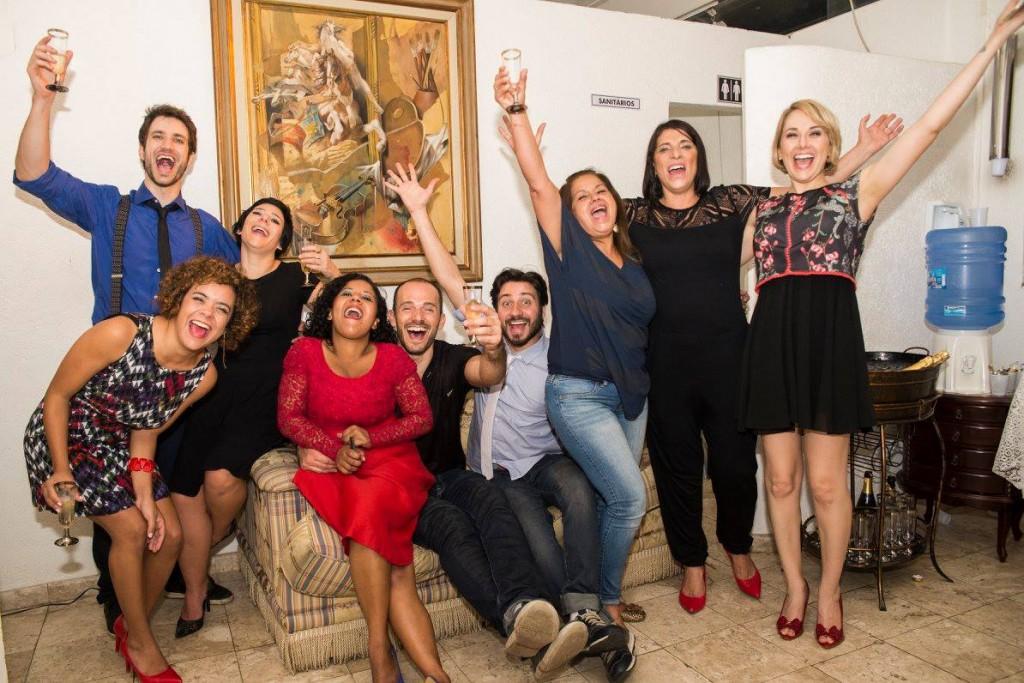 Grupo Gattu comemora sucesso da estreia de Amor - Foto: Renato Rebizzi
