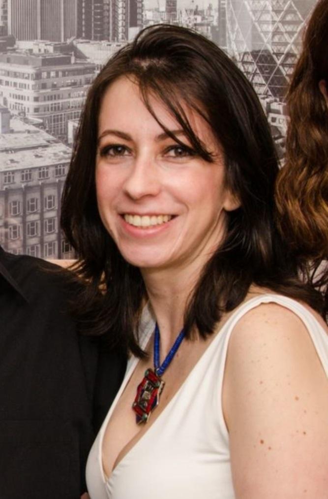 Viviane Roesil, uma das autoras de - Foto: André Stefano