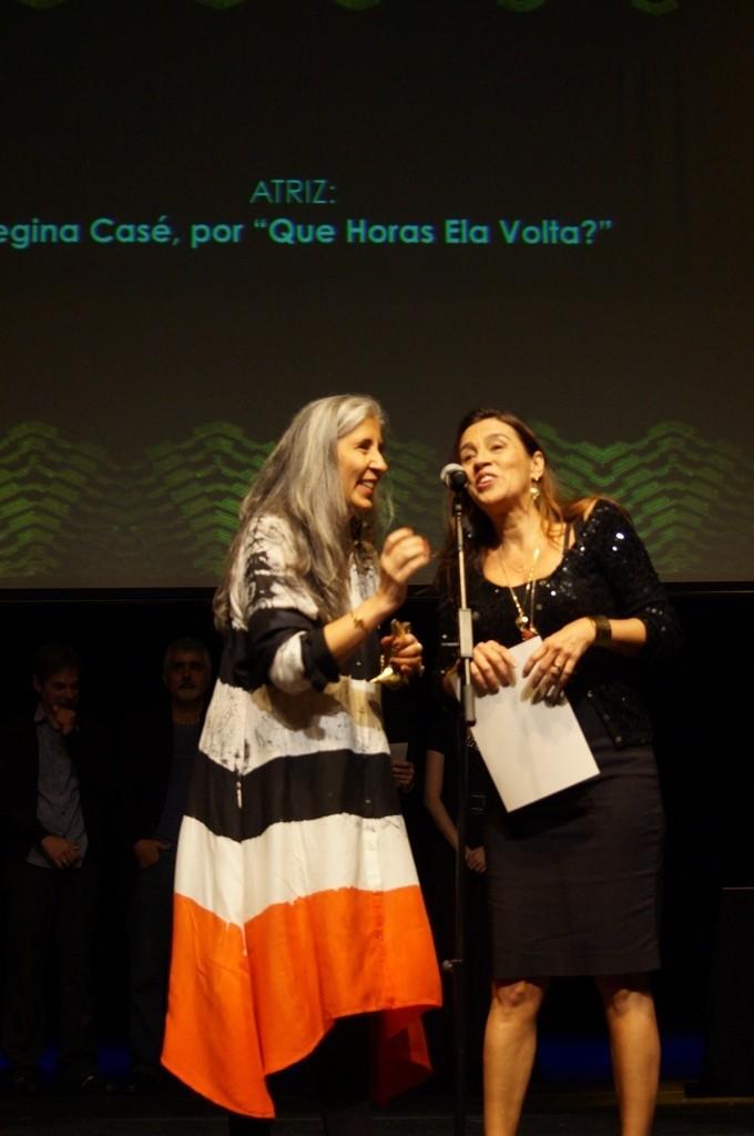 Regina Casé, a melhor atriz de cinema, foi representada por sua irmã - Foto: Roberto Ikeda/Divulgação