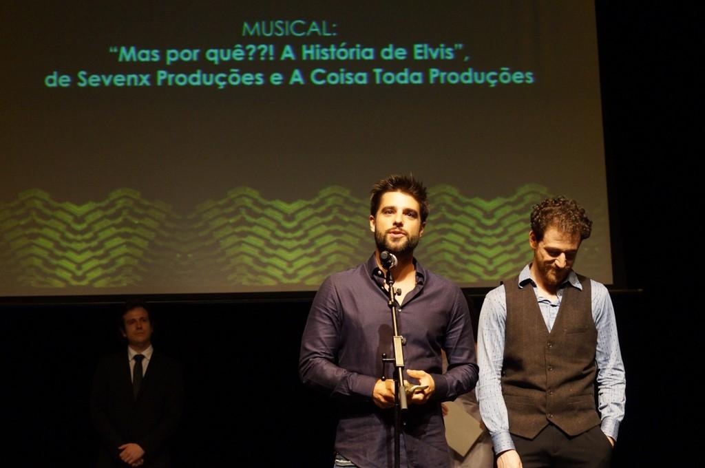 Equipe de Mas Por Quê??? A História de Elvis leva o APCA - Foto: Roberto Ikeda/Divulgação