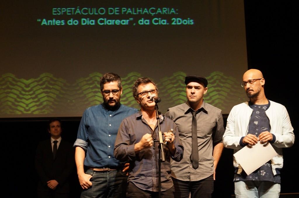 Cia 2Dois celebra APCA para Antes do Dia Clarear - Foto: Roberto Ikeda/Divulgação