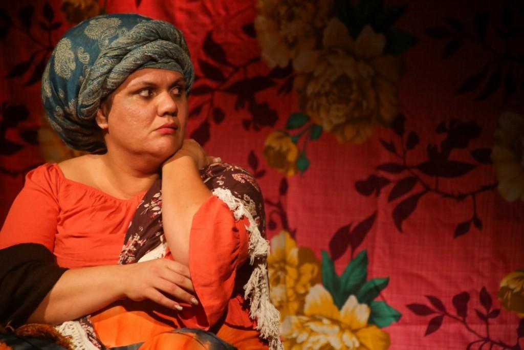 Carine Xavier em Narrativas Quilombolas, na qual atua com Augusto Xavier e recupera a tradição afrobrasileira - Foto: Kelly Knevels/Clix