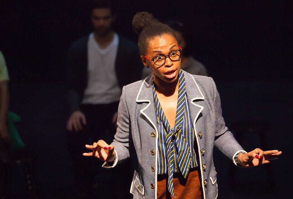A atriz Miram Lima em cena de Te Amo, Franco Roo - Foto: Laercio Luiz Fotografia/Divulgação