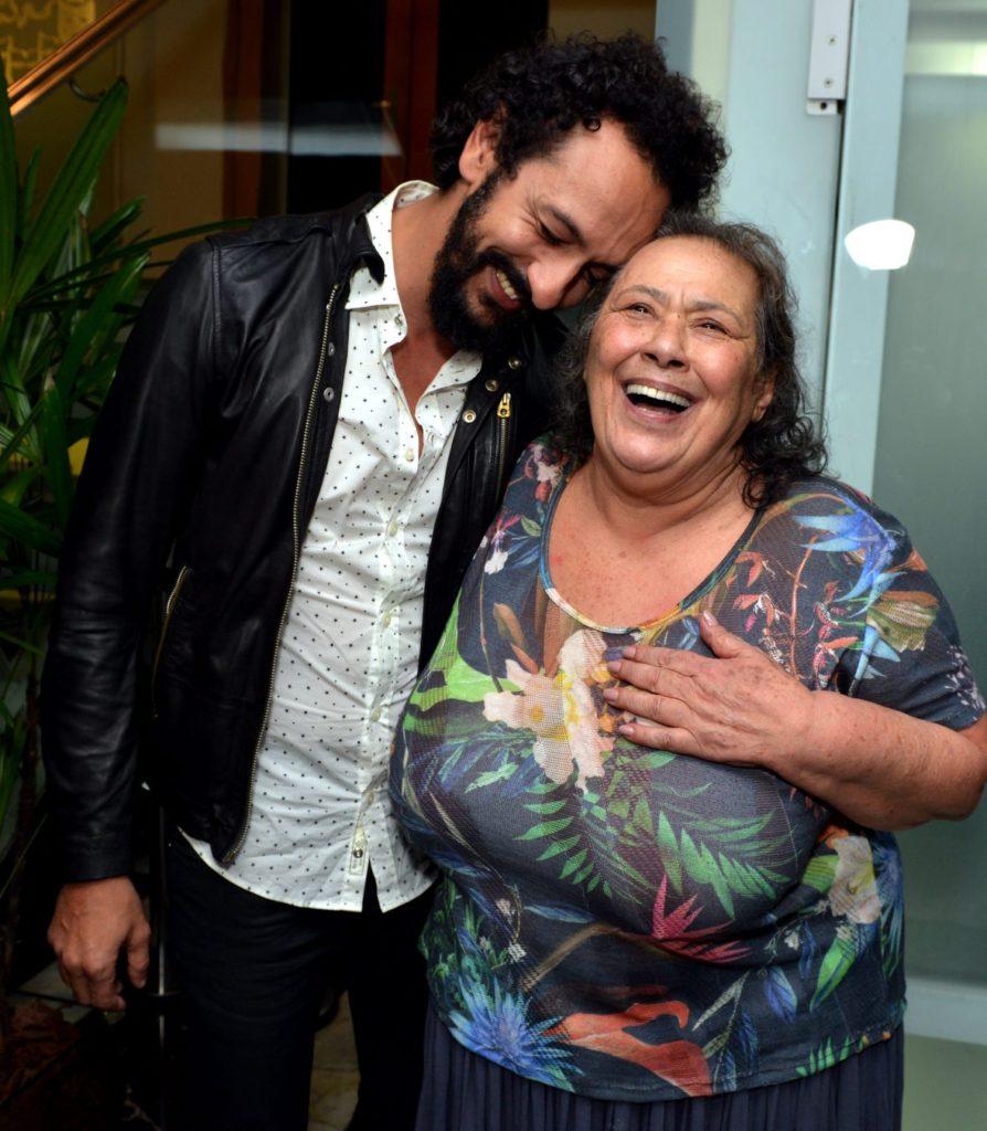 Irandhir Santos e Teuda Bara - Foto: Cristina Granato/Divulgação