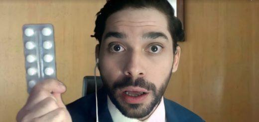O ator Lucas Sancho na peça Em Análise