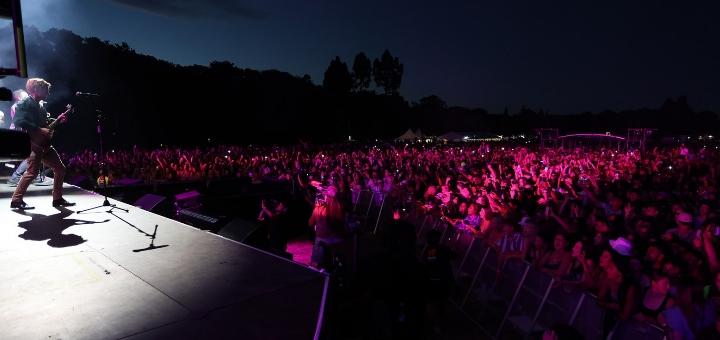 Show para 20 mil pessoas na Nova Zelândia: país ouviu a ciência e se livrou da Covid-19 - Foto: Reprodução/Instagram - Blog do Arcanjo