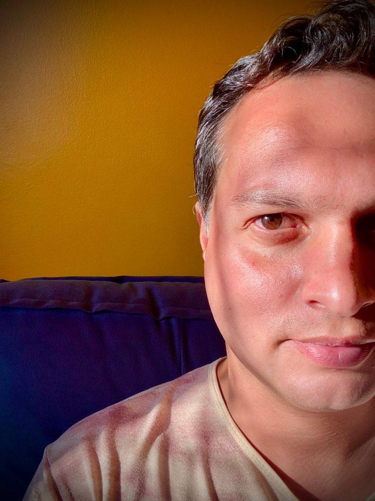 Edson Lopes Jr., fotógrafo e videomaker, em autorretrato - Blog do Arcanjo